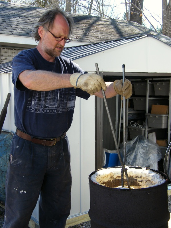 raku pottery firing demonstration from Jonathan Woodward at the Manchester Fall Art and Craft Festival